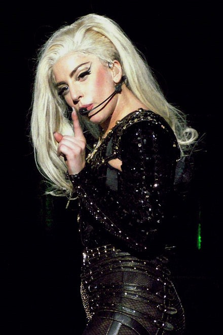 Lady_Gaga_BTW_Ball_Antwerp_02.jpg